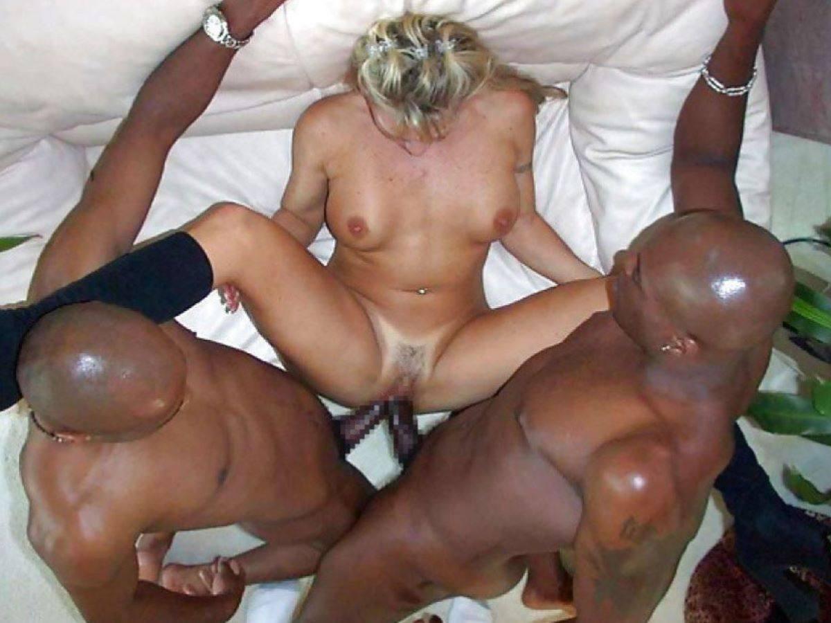 外人・金髪美女・黒人のセックス画像 11枚目