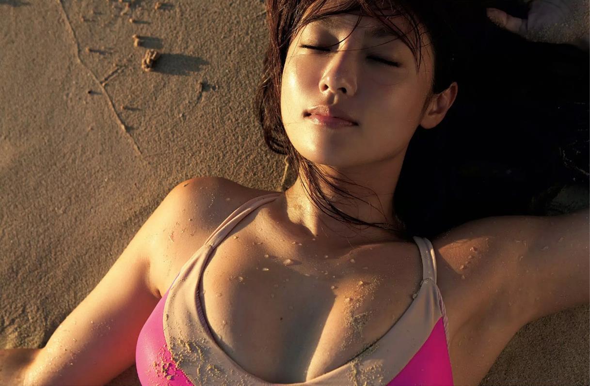 深田恭子の水着・ビキニ画像 2枚目