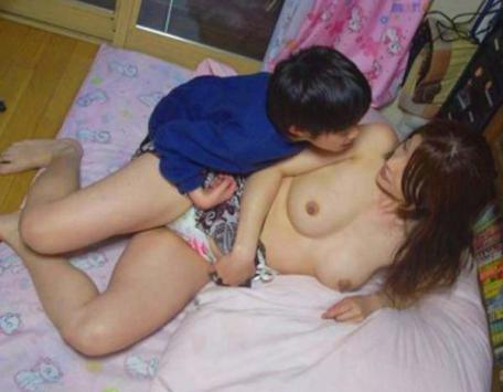 人妻・熟女のマンコ・ヌード・お尻の画像 9枚目