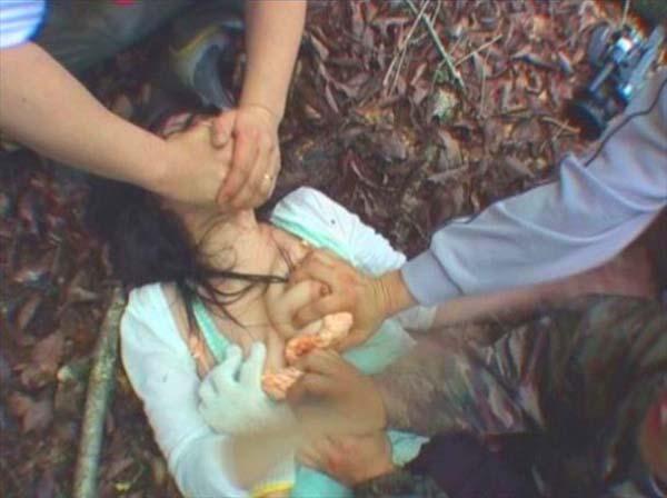 人妻・熟女のレイプ(強姦)画像 2枚目