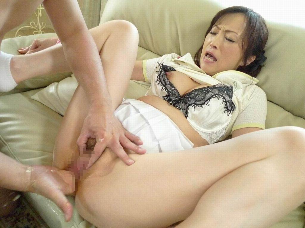 人妻・熟女の潮吹き・手マン画像1枚目