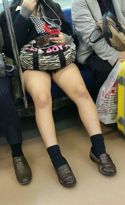 JK・女子高生の足・太もも画像 2枚目