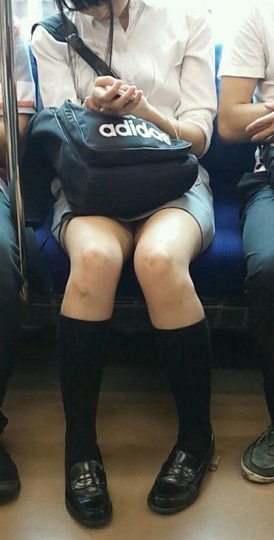 JK・女子高生の足・太もも画像 14枚目