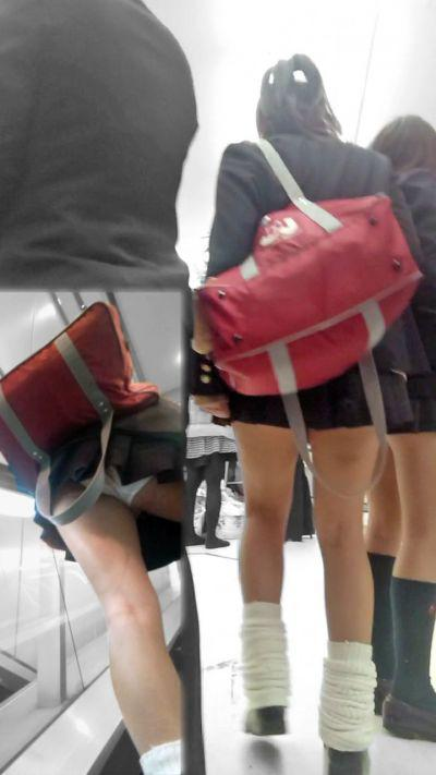JK・女子高生の足・太もも画像 6枚目