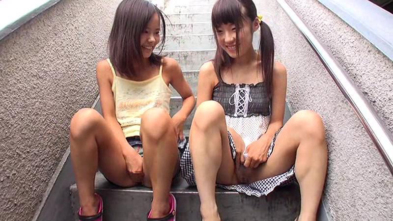 JS(小●生)のマンコ・グラビア・ヌード・おっぱい・お尻画像 3枚目