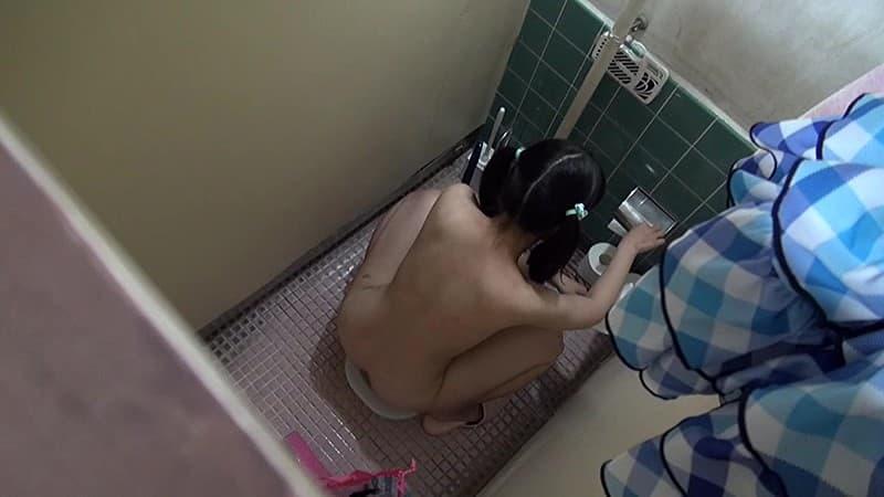 JS(小●生)のおしっこ・放尿画像 2枚目