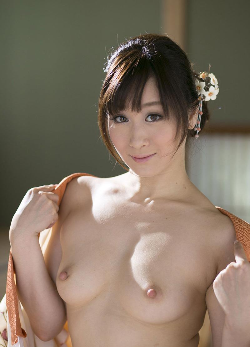 川上ゆうのマンコ・グラビア・ヌード・おっぱい・お尻画像 1枚目